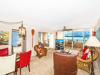 Island Sands #612 - Spacious top-floor with ocean front view of Maalaea Bay!