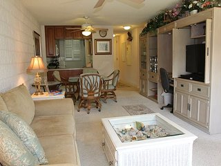 Maui Oceanview Condo in Quiet Beachfront Resort—Luxury Remodel, 2 BR/2 BA