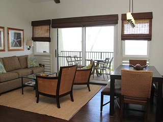 Maui Beachfront/View Fabulous Remodeled Condo in Ma'alaea Great Value 2BR/2BA
