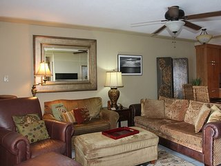 Deluxe, Tranquil Maui Direct Oceanfront/View Condo, Beautiful Remodel 2BR/2BA