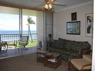 Maui Ocean Front Vacation Rental Condo in Quiet Resort—Spectacular Ocean View