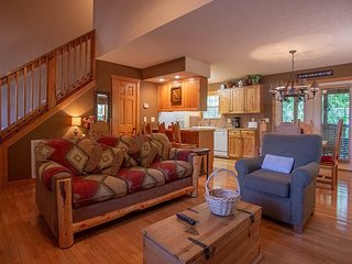 A Cozy Pet Friendly 1 bedroom, 1 bath lodge at Stonebridge Resort!