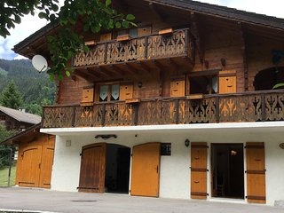 Beautiful, large, detached chalet close to Chatel with a ski bus stop opposite