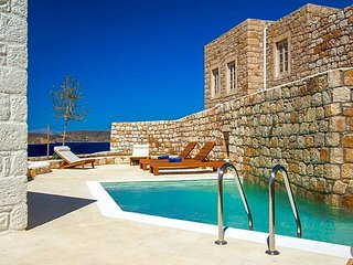 Grigos Villa Sleeps 4 with Pool - 5647146