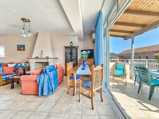Indigo Zante Home - 3 bedroom maisonette in the city center.