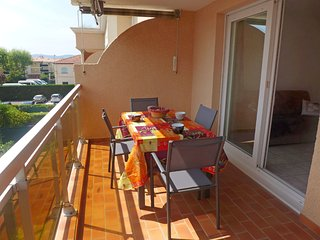 1 bedroom Apartment in Fréjus, Provence-Alpes-Côte d'Azur, France : ref 5544333