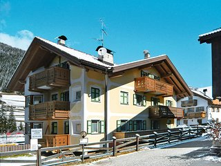 3 bedroom Apartment in Pozza di Fassa, Trentino-Alto Adige, Italy : ref 5437849