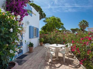 Vale do Lobo Villa Sleeps 4 with Air Con and WiFi - 5607995