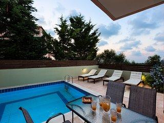 Villa Lefka, discreet comfort!