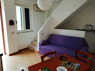 appartamento su due livelli in piazza S.Restituta