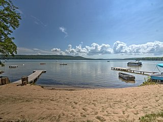 NEW! Cozy Little Glen Lake Beachfront Studio