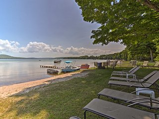 NEW! Lakefront Apartment+Suite w/Dock in Empire!