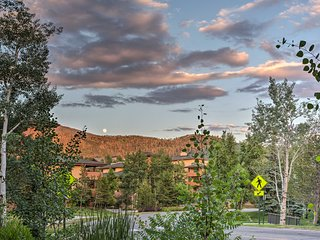Steamboat Springs Townhome - 1 Block to Lifts!