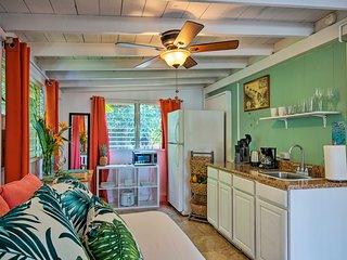 North Shore Studio w/ Patio - Walk to the Beach!