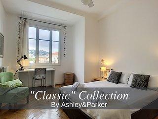 Ashley&Parker - Palais Nicole