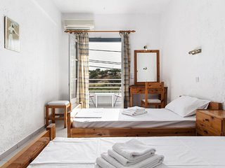 Hotel Solano Twin Room 4