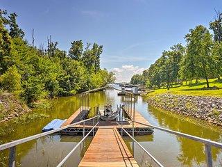 3.5-Acre Gilbertsville Apt on Kentucky Lake w/Dock