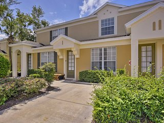 Resort Townhome w/Private Pool - 10 Mins to Disney
