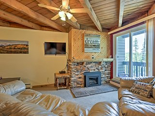 NEW-Silverthorne Condo w/Pool Access Near Keystone