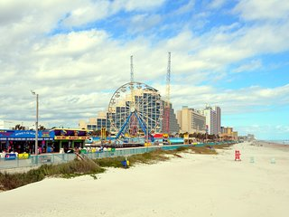 Fantasy Island Resort II: Condo on the Beach in Daytona - 2 bed 2 bath