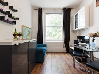The Homely Westbourne Gardens Apartment - JCN