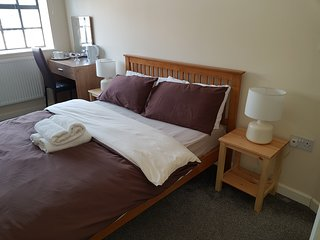 DOUBLE ROOM WITH SHARE