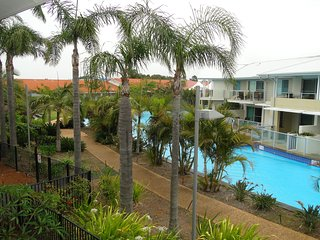 'Oaks Pacific Blue 339', 270 Sandy Point Road - HUGE RESORT LAGOON POOL