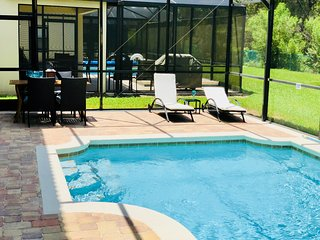 Newly refurbished - Beautiful, private and peaceful Villa minutes from Disney.