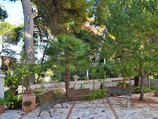 Casa vacanze in Contesto Privato con Parcheggio e Giardino