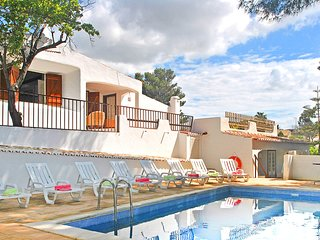 TOTALLY REFURBED VILLA WITH NEWLY BUILT PRIVATE POOL, AC,WI-FI, 5 MIN FROM BEACH