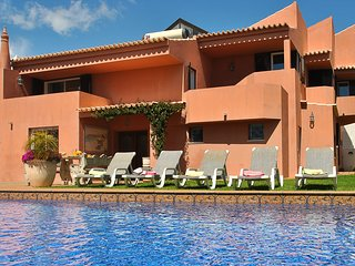 GOURGEOUS VILLA, W/ A PRIVATE HEATABLE POOL, WIFI, CLOSE TO ALL AMENITIES, NEAR