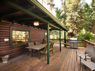 Deck and Gas BBQ and seating for 6 people