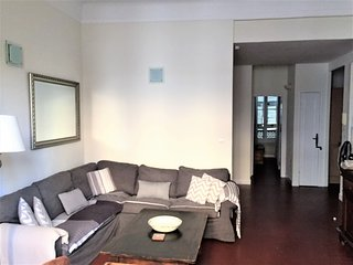 Antibes Old Town 2 Bedroom Bourgeois Apartment