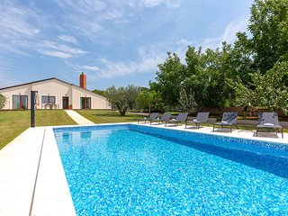 2 bedroom Villa in Valbandon, Istria, Croatia : ref 5648080