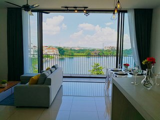 Lakeview, quiet cozy 2BR apartment at Seri Kembangan, the Mines, UPM, AISM
