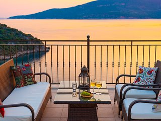 Villa Bergamot, spectacular sea-views