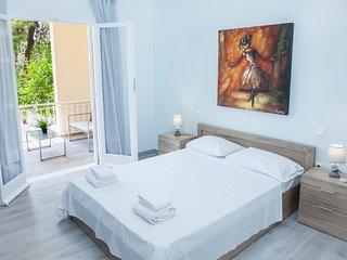Minimal 3 bedroom apartment in Glyfada