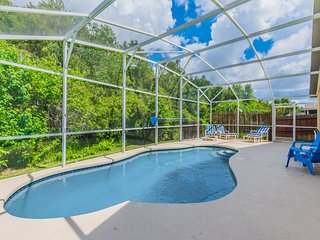 Superior Home with Private Pool. 2416