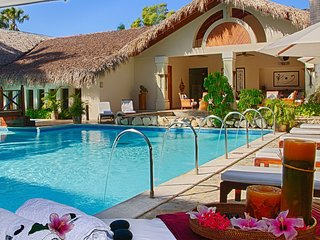 Beautiful 6 Bedroom Villa with Butler Service! All Inclusive!!!