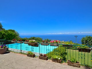 Wonderful VILLA LUISA in the hills of Sorrento with sea view and swimming pool