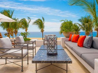 Tropical Five Bedroom Luxury Villa