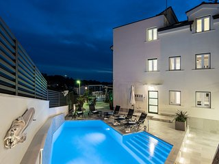 NEW-Teranea Hvar Resort 4*(C1)Luxury apartment / garden view and large terrace