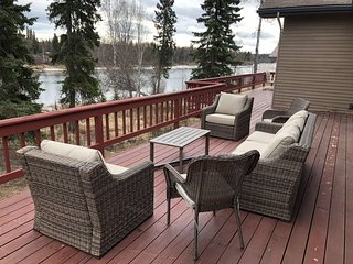 Amazing Kenai River Front Home With Beautiful Views