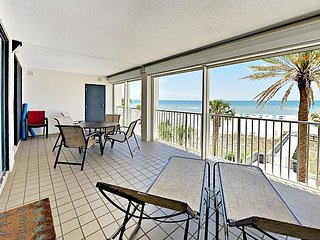 Beachfront 3BR/2BA Condo - Indoor & Outdoor Pools, Hot Tub & Exercise Room