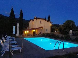 Casa con piscina nelle colline fiorentine