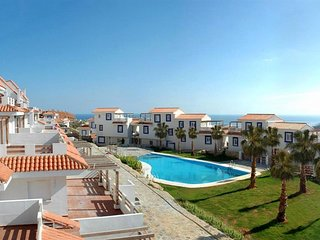Duquesa Apartment, Sea views, pool