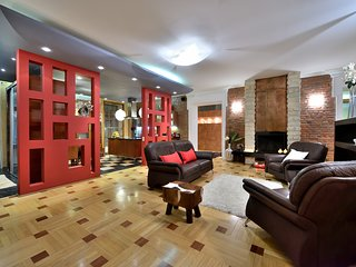 BELLE luxury apartment 220m in historical city center of Saint-Petersburg