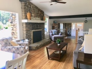 N. CONWAY 4 BED/3 BATH - HOT TUB - PET FRIENDLY