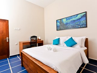 BOOTS Travelers Lodge Negombo