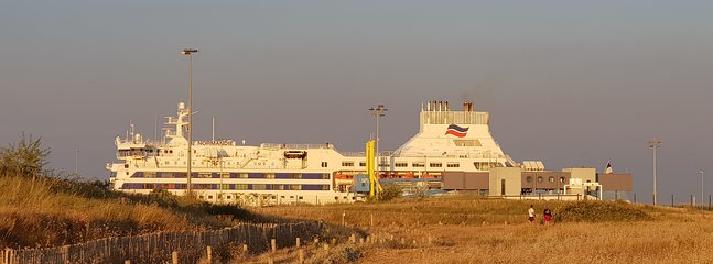 Car ferry Ouistreham for a stay in England